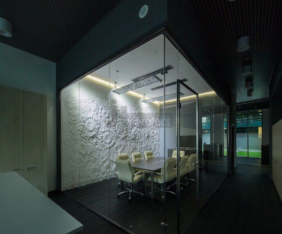 Интерьер Переговорная комната ночь Trans Oil в Бухаресте