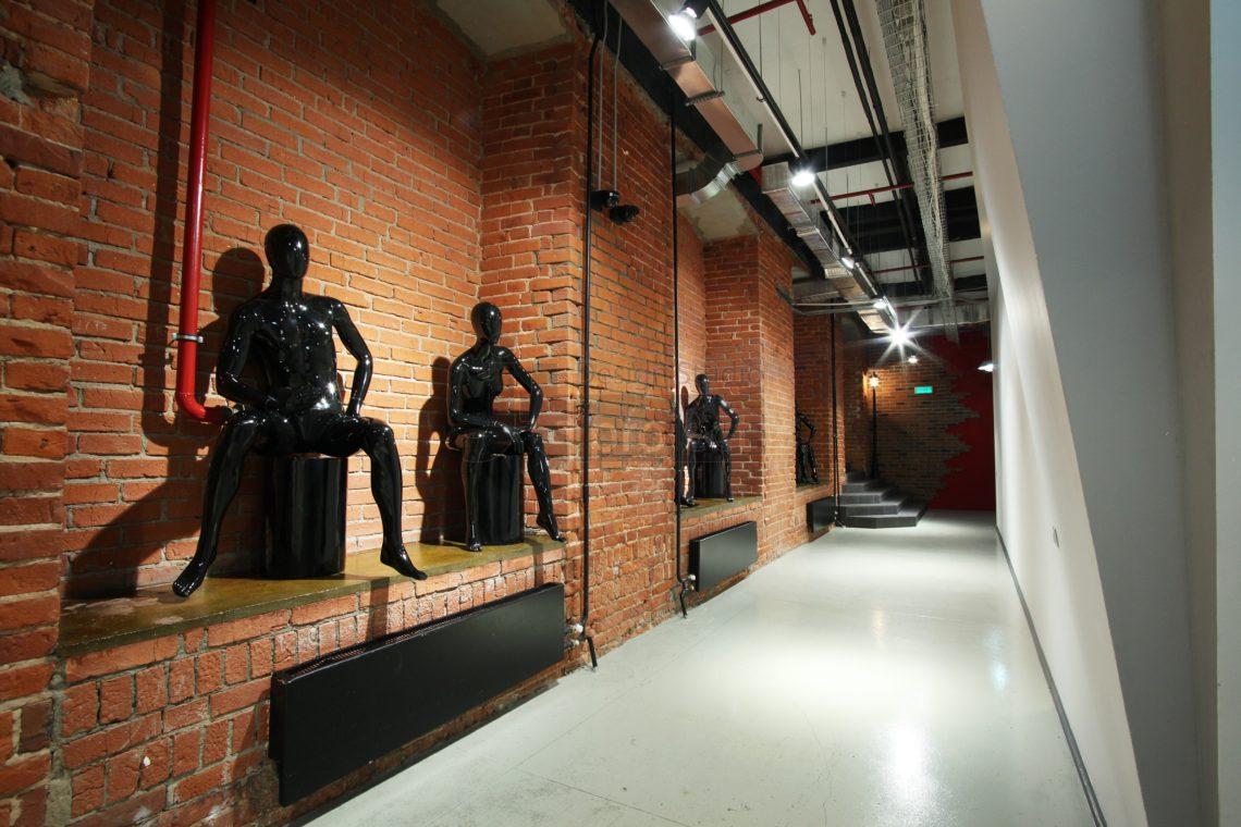 Интерьер коридора офиса компании Paolo Conte